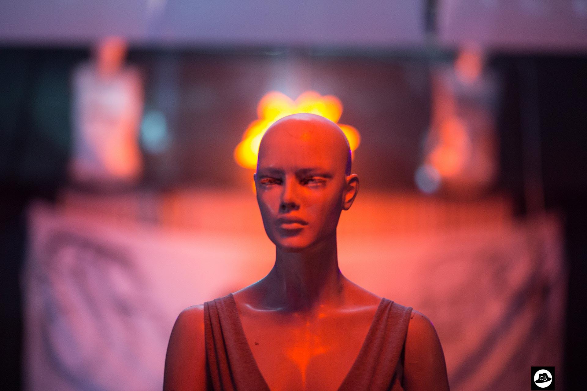 Vbank charming plastic mannequin
